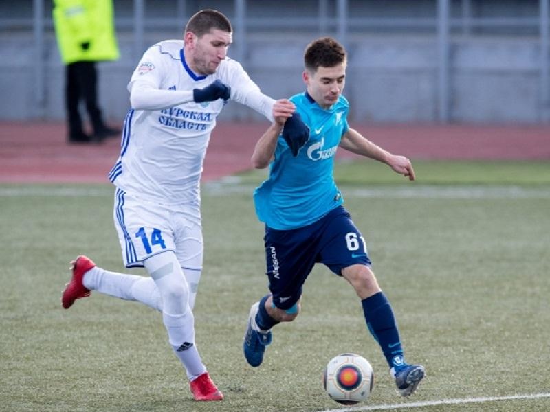 Футболисты «Авангарда» в северной столице разгромили «Зенит-2»
