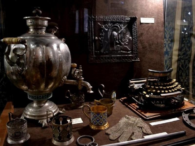 ВКурском краеведческом музее откроется выставка подарков Виктора Истомина