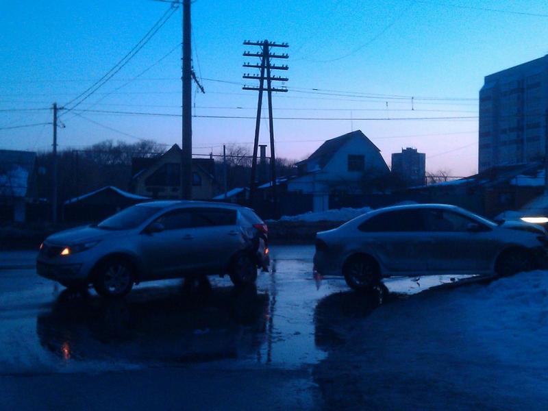 Столкновение 2-х иномарок вКурске— девятнадцатилетний шофёр в клинике