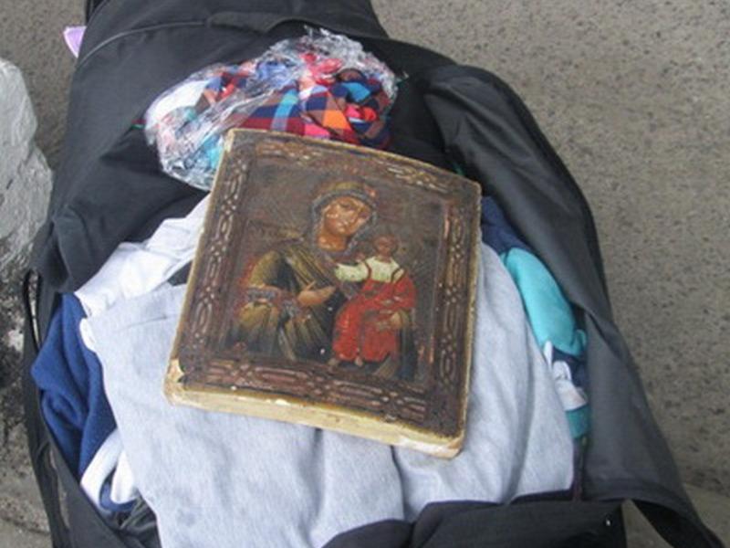 Курские пограничники задержали награнице старинную икону