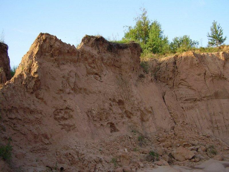 Под Курском 10-летних мальчиков живьем похоронило под горой песка