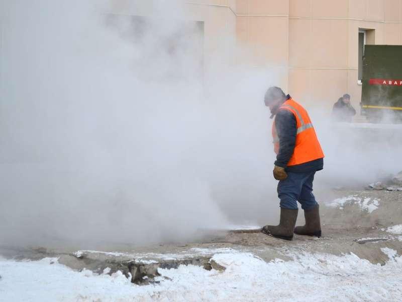 Вцентре Курска случилось повреждение теплосети