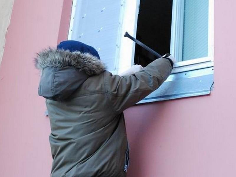 В Курской области идёт под суд подросток, укравший у односельчанина музыкальную колонку